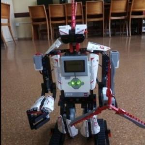 Obrazek galerii LEGO ROBOTY NA ZAJĘCIACH KOŁA INFORMATYCZNEGO