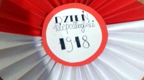 Obrazek galerii NASZE KOTYLIONY NA ŚWIĘTO NIEPODLEGŁOŚCI /4B, 4C, 6A, 6C/  - XI 2020 R.
